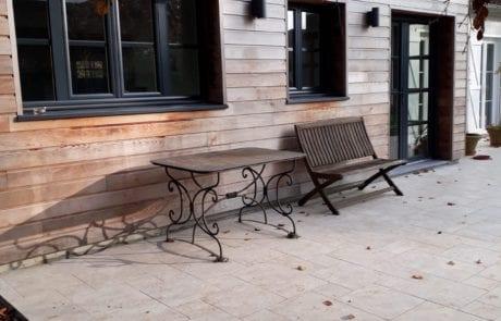 extension avec bardage bois et terrasse, menuiseries extérieurs en aluminium