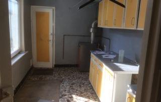 cuisine-ancienne-avant-travaux-de-renovation