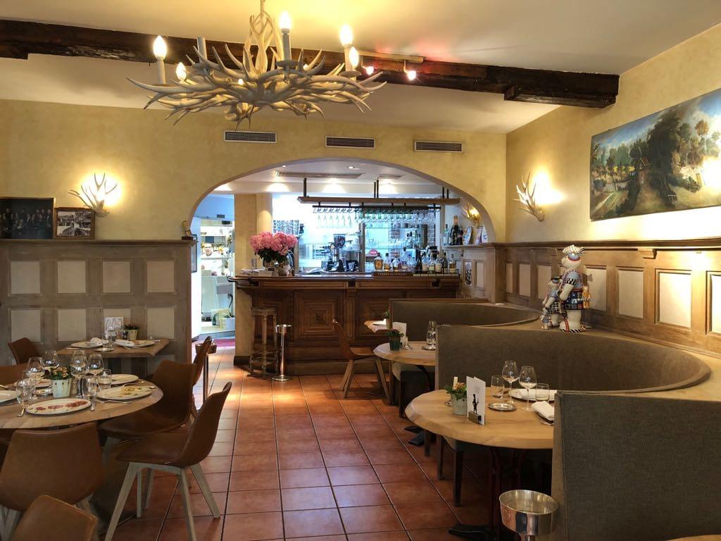 ancienne-decoration-interieur-restaurant-club-marot-lille