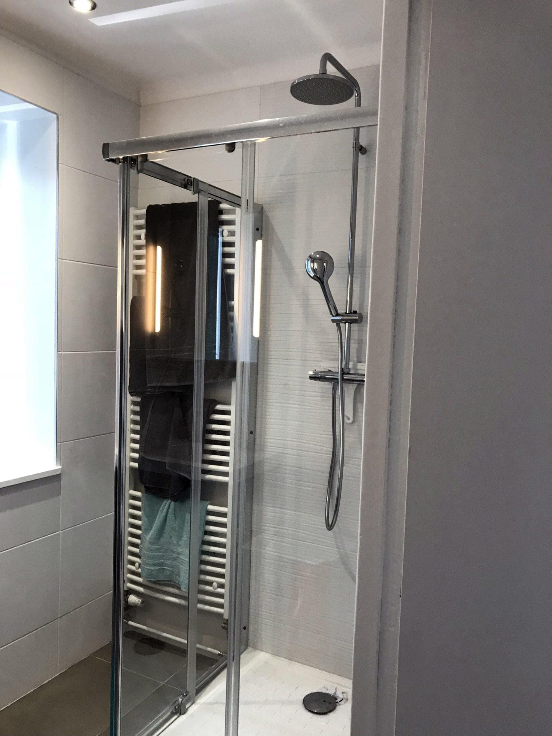 salle de douche rénovée