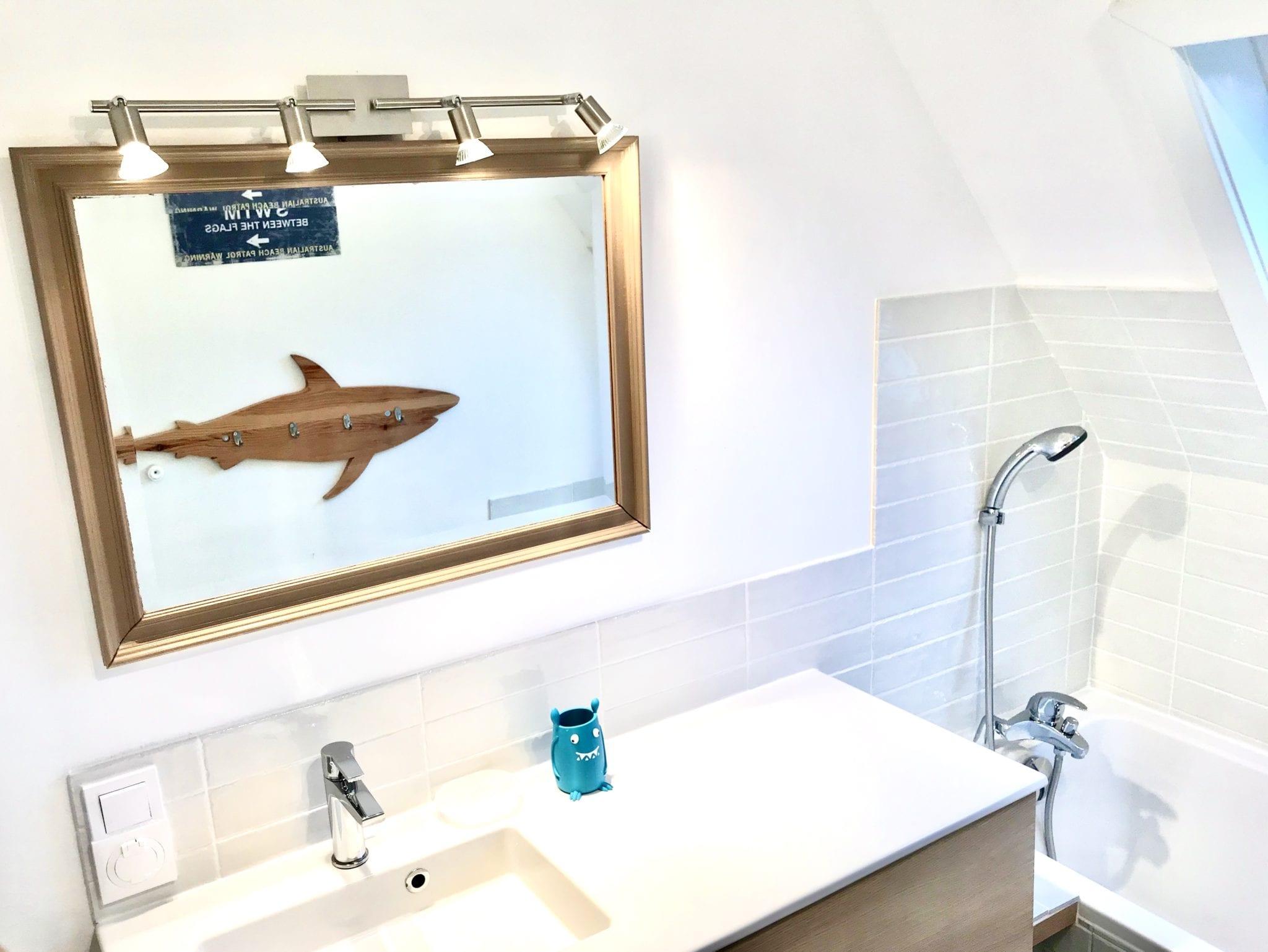 salle de bain pour les enfants avec baignoire 160 x 70